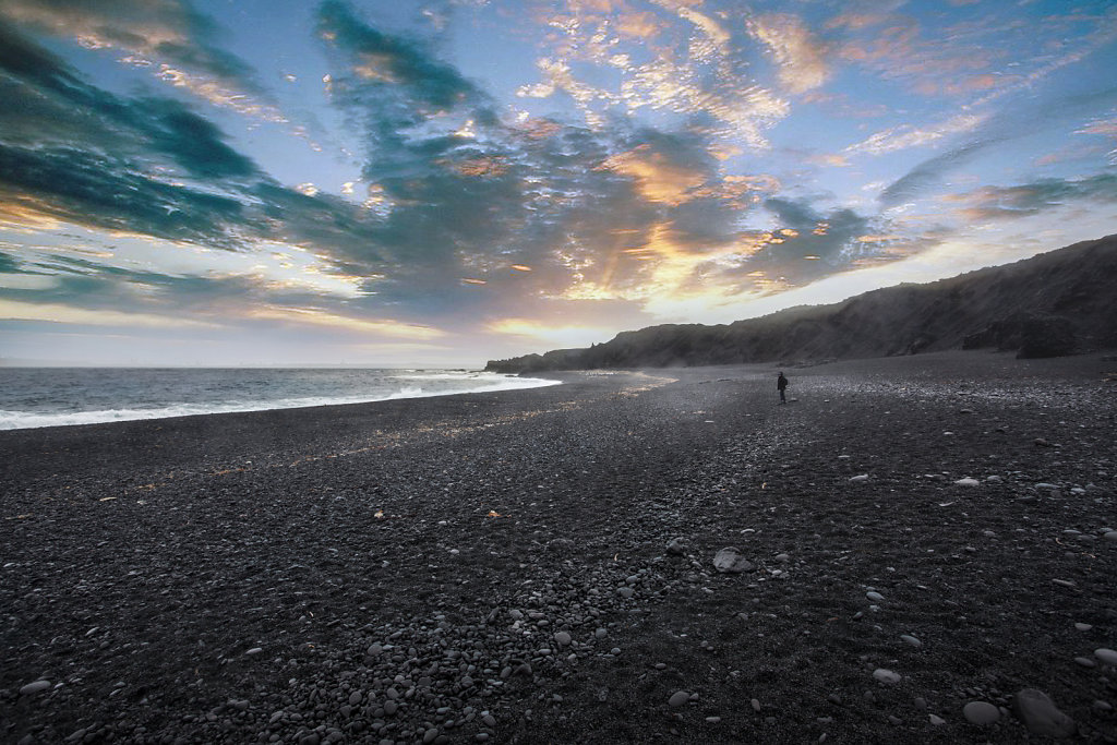 beach-near-Vik1600.jpg